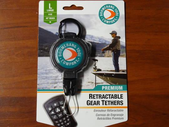 Boomerang Fishing Gear Tether 8 oz retraction Carabiner