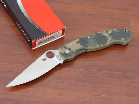 Spyderco Military S30V folding Knife