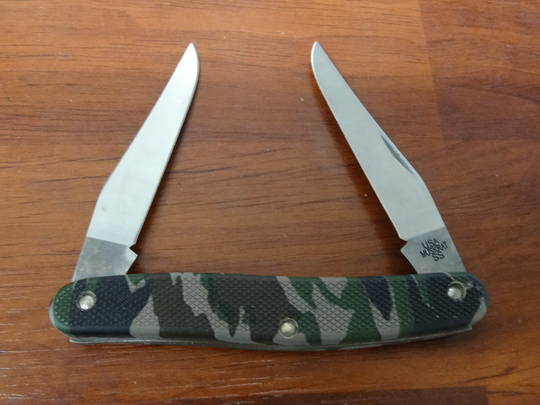 CASE CUTLERY Camo Case Caliber Muskrat Folding Knife - 18343