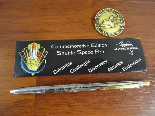 FISHER SPACE PEN COMMEMORATIVE EDITION SHUTTLE SPACE PEN & COIN SET  - no box