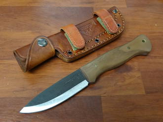 United Cutlery Bushcraft Explorer Knife, Hardwood Handles, Brown Leather Sheath