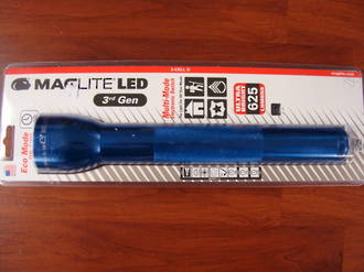 Maglite LED 3 D Cell Torch 3rd Generation 625 Lumens - Blue
