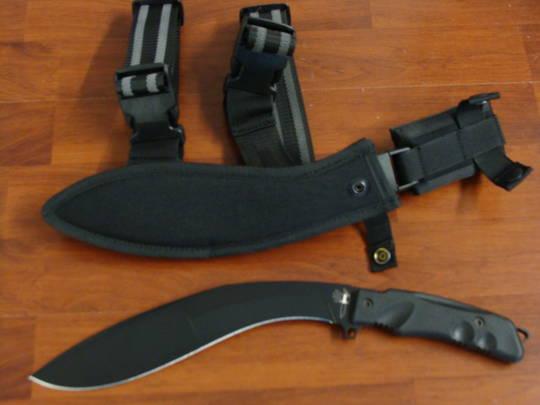 Fox Knives Extreme Tactical Kukri, Sheath W/Leg Strap FX9CM04T