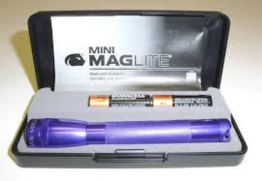Maglite AA Torch Gift Box Purple - M2A98L