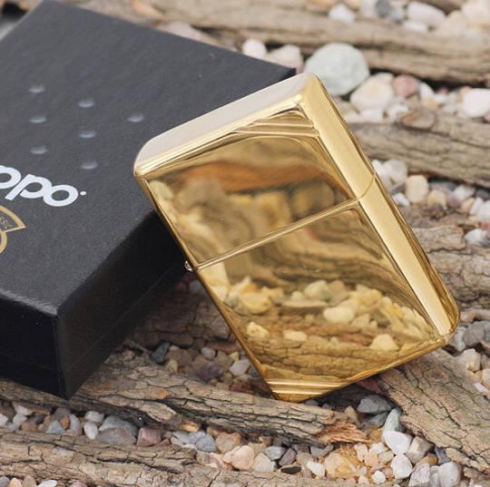 Zippo Vintage w/Slashes High Polish Brass Lighter