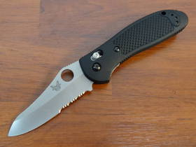 Benchmade 550SHG Griptilian 154cm Folding Knife - Serrated