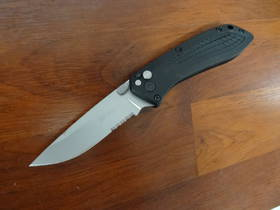 Gerber US-Assist Assisted Folding Knife Combo Edge