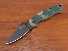 Spyderco ParaMilitary 2 Black Blade Camo Handle S30V Folding KNife