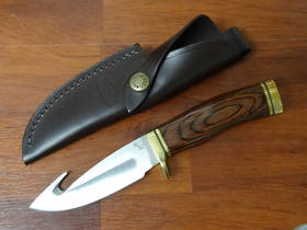 Buck Zipper Hunting Knife Fixed with Gut Hook, Walnut Handle, Leather Sheath